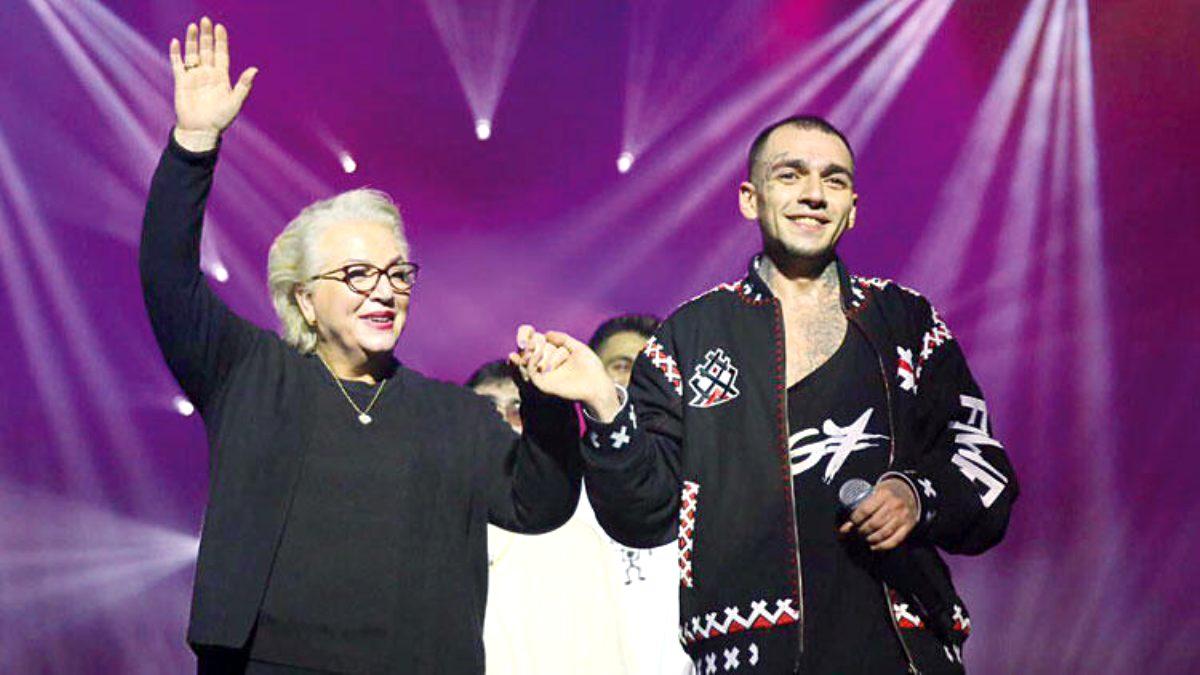 Ezhel ve Annesi Ulya Turgut