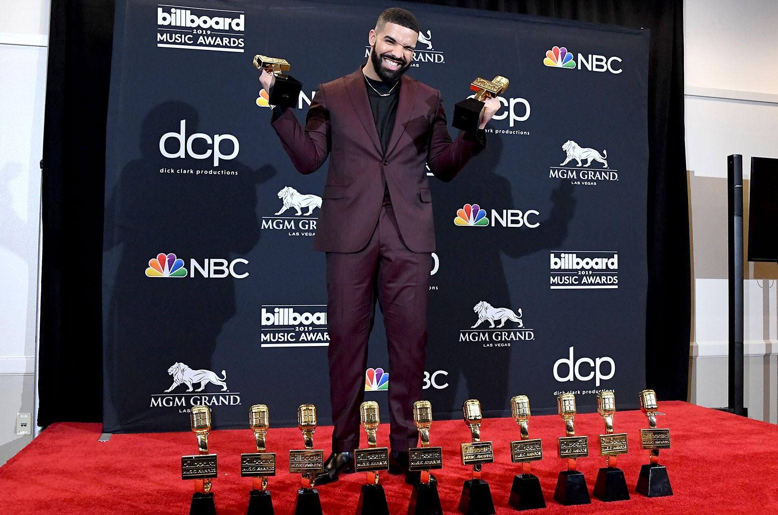 Drake, Billboard Hot 100 Listesinde Yeni Bir Rekor Kırdı