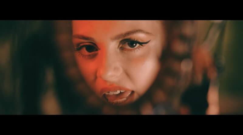 Ressira - Senin Yüzünden Şarkı Sözleri