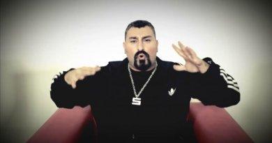 Sirhot ft. Dr.Fuchs, Makale, Cesaret, Funky C, FreshB, 9CC, Turbo, Buldozer, Ceza & Sagopa Kajmer - Rap'in Devleri Şarkı Sözleri