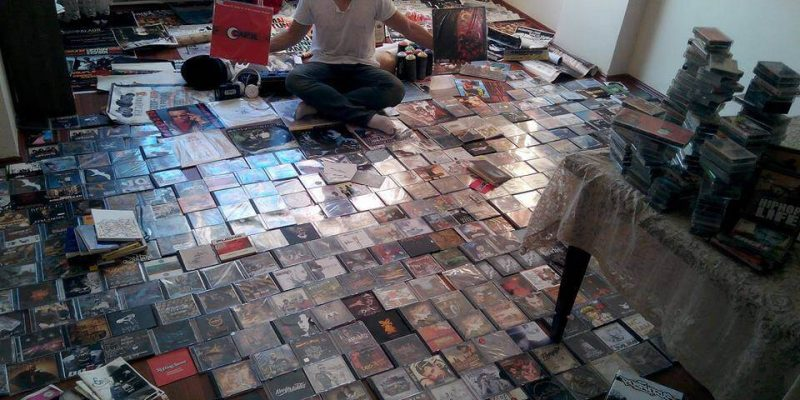Teoman Karadeniz 2000 parçalık Hip Hop koleksiyonunu satıyor