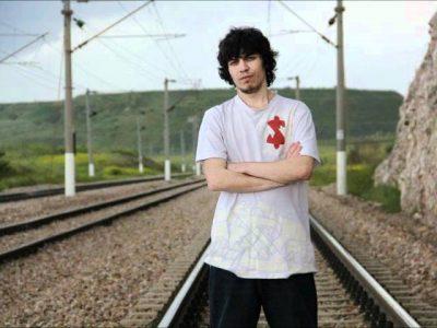 Hidra ft. A-pooh - Kırmızı Kalp Şarkı Sözleri