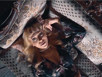 Hira ve Effie yeni tekli: Kumpas